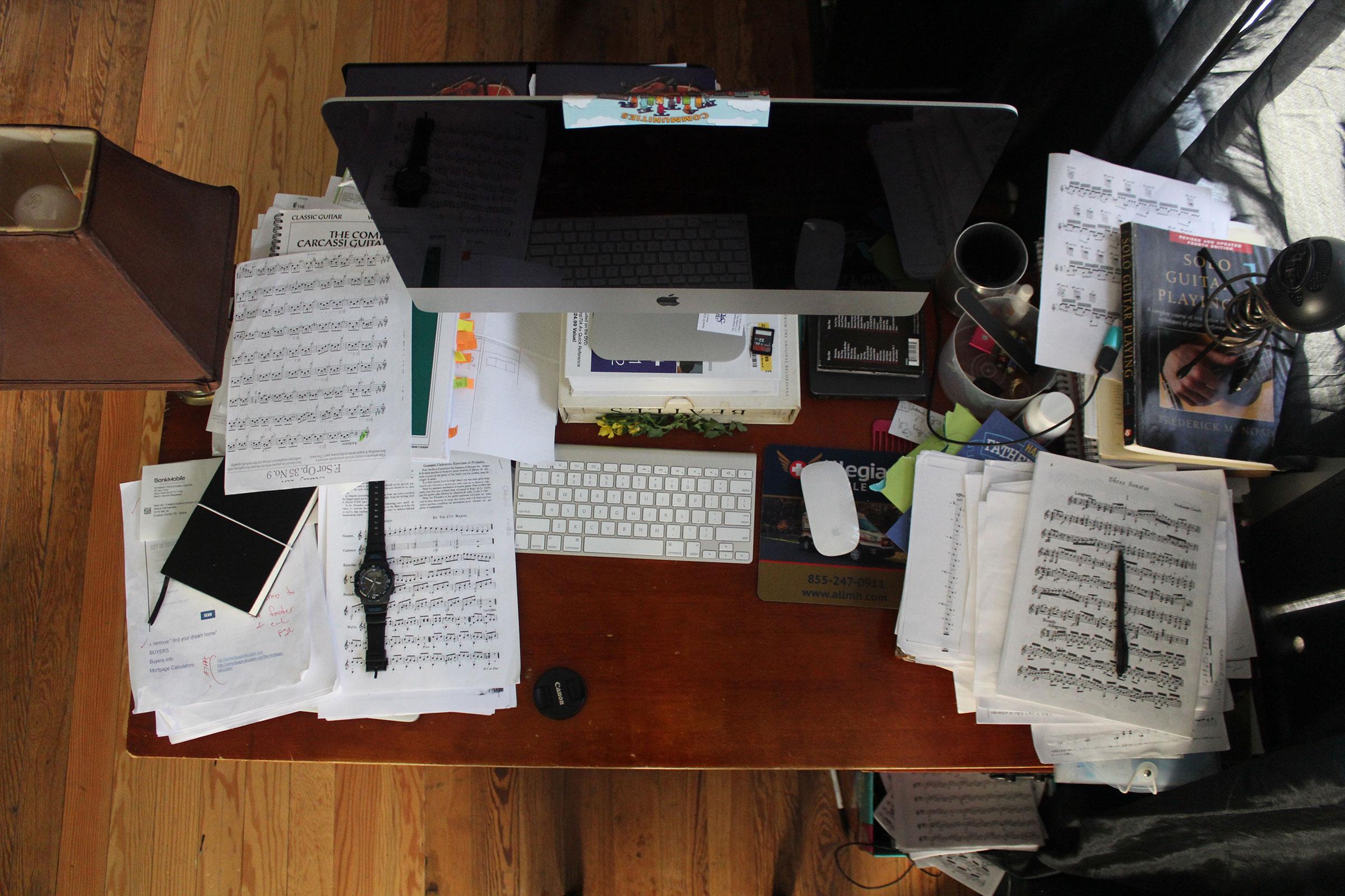 composing desk